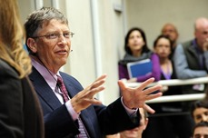 Bill_Gates_speaks_to_staff_at_DFID.jpg